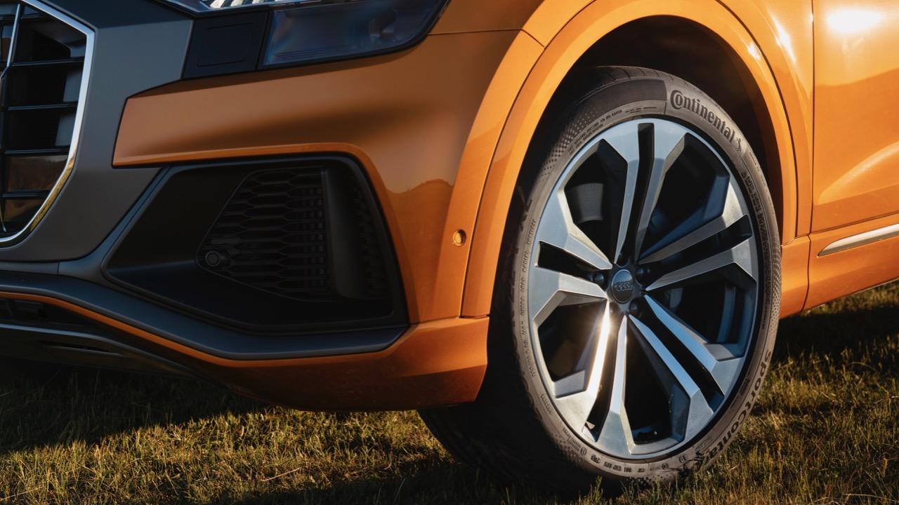 2019 Audi Q8 Dragon Orange 22 inch wheels