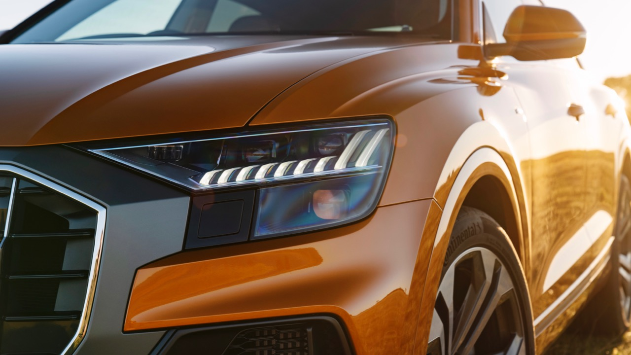2019 Audi Q8 Dragon Orange Matrix LED lights