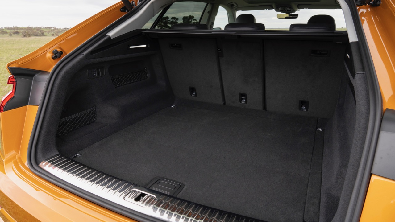 2019 Audi Q8 boot space