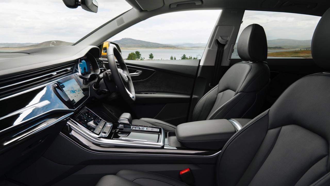 2019 Audi Q8 interior front comfort seats black leather