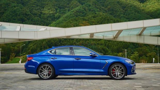 2019 Genesis G70 Sport Blue Profile
