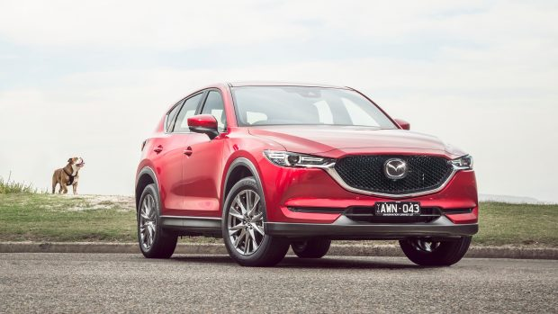 2019 Mazda CX-5 Akera Soul Red Crystal front 3/3 detail