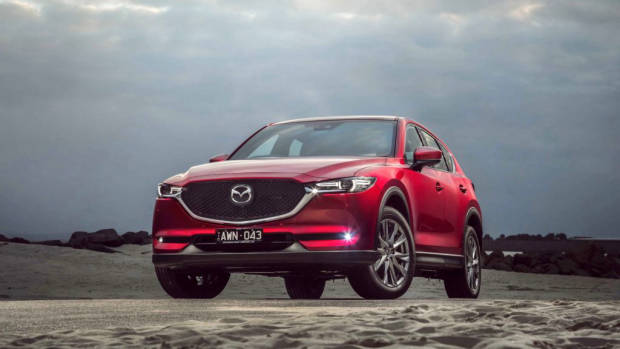 2019 Mazda CX-5 Akera Soul Red Crystal front 3/4 close