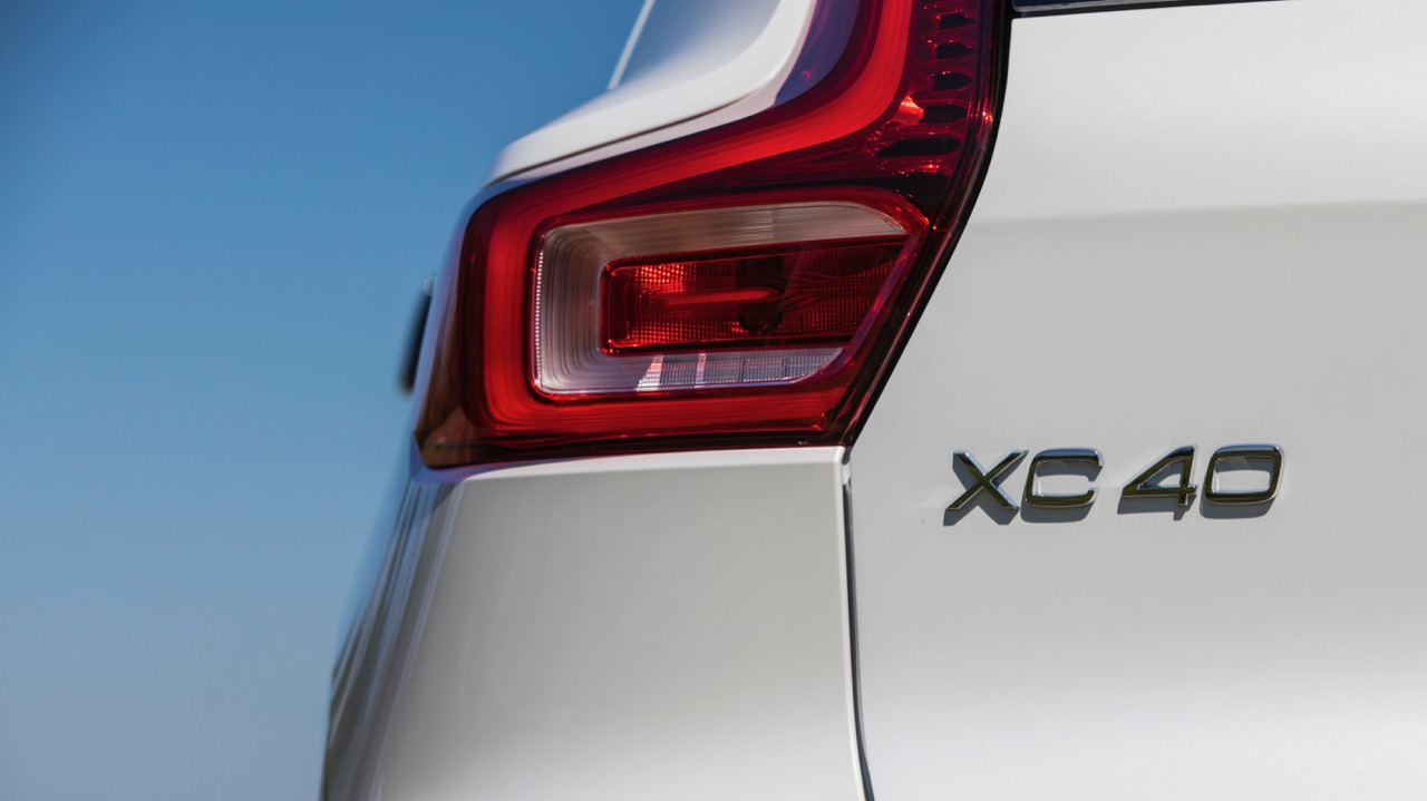 2019 Volvo XC40 T5 R-Design White taillight