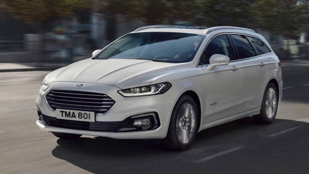2019 Ford Mondeo white wagon front 3/4 driving