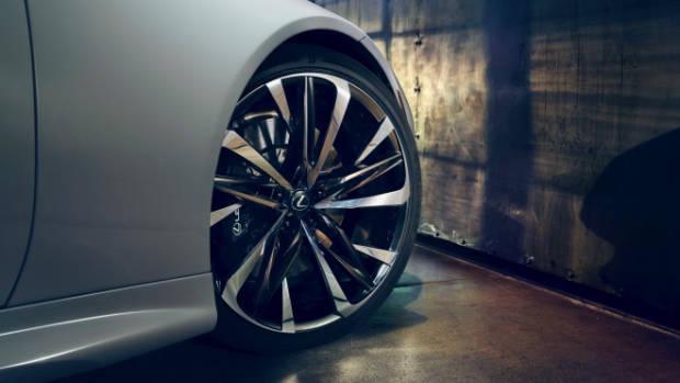 2019 Lexus LC convertible 22 inch wheels
