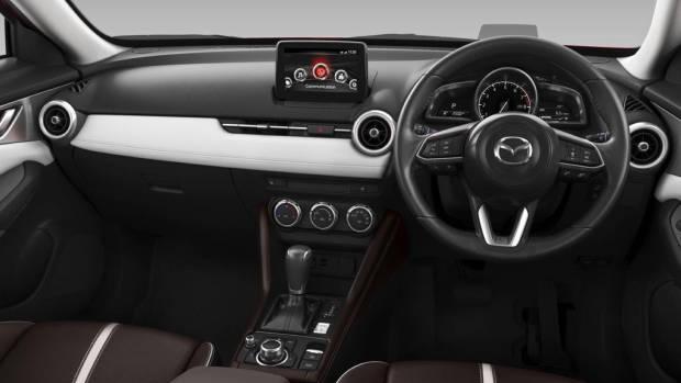 2019 Mazda CX-3 Akari LE interior