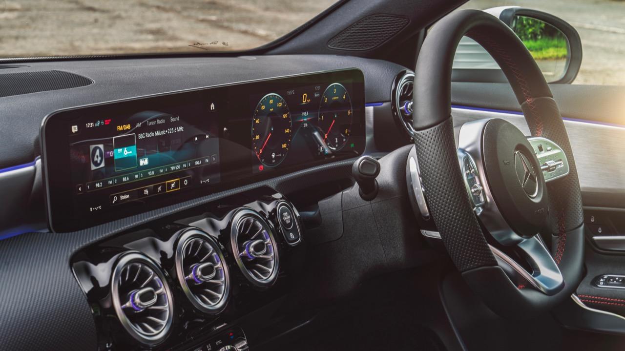 2019 Mercedes-Benz A200 MBUX Screens