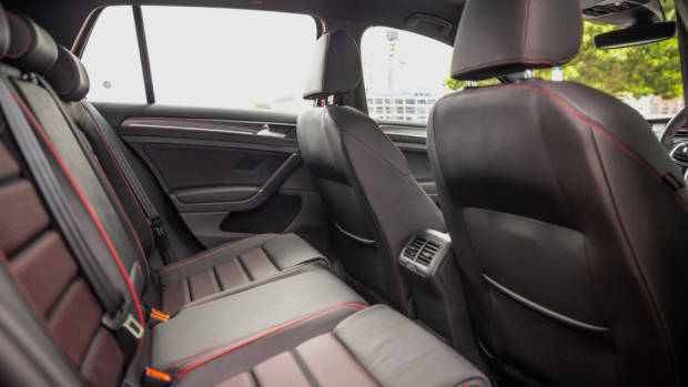 2019 Volkswagen Golf GTI back seat space