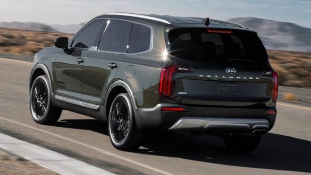 2020 Kia Telluride rear 3/4 driving