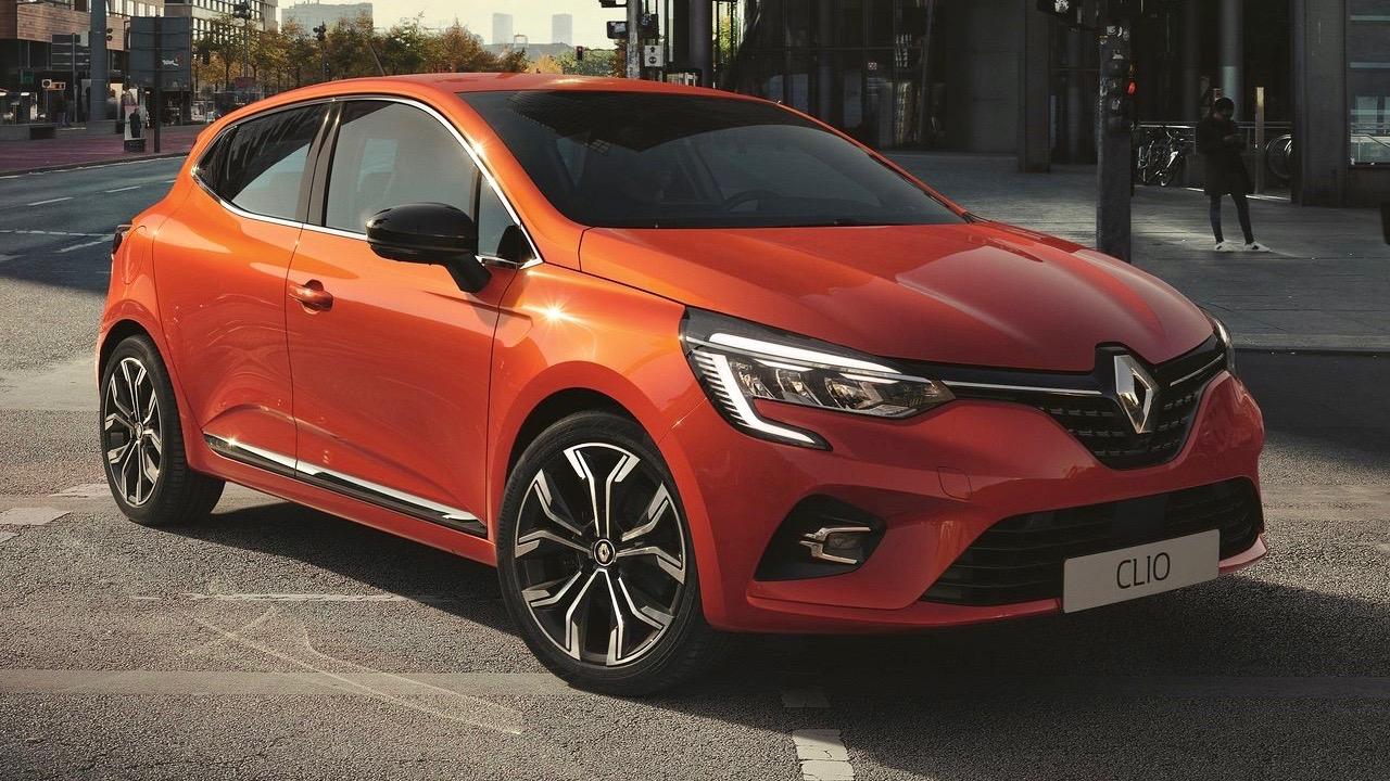 2020 Renault Clio front 3/4