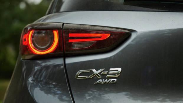 2019 Mazda CX-3 Akari LE Machine Grey badge