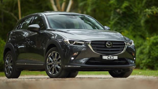 2019 Mazda CX-3 Akari LE Machine Grey front