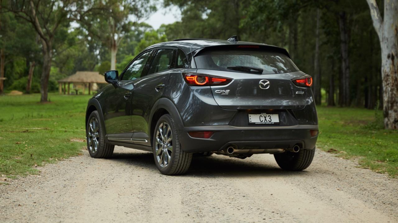 2019 Mazda CX-3 Akari LE Machine Grey rear end