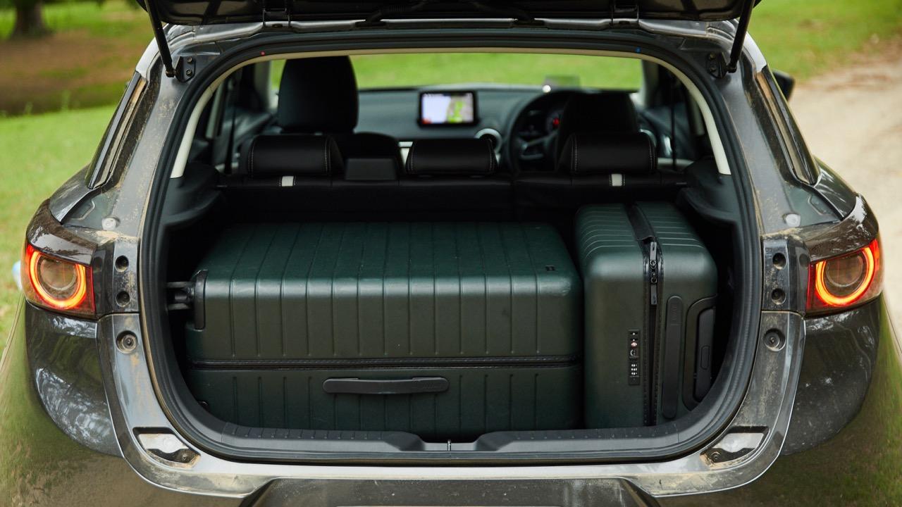 2019 Mazda CX-3 Akari LE boot space