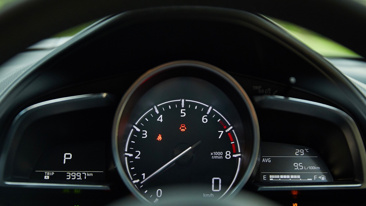 2019 Mazda CX-3 driver dials