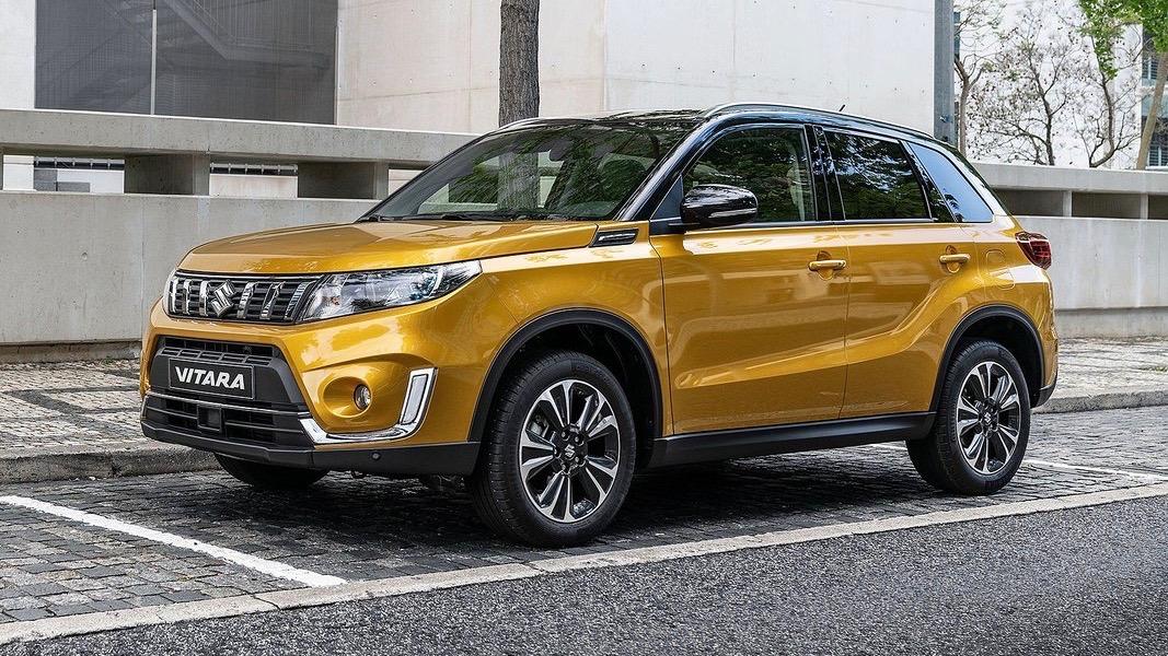 2019 Suzuki Vitara gold front 3/4