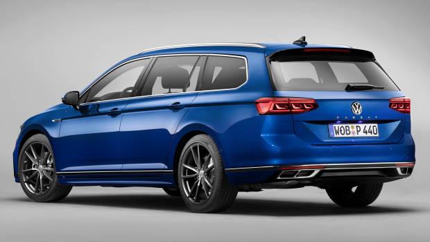 2020 Volkswagen Passat R-Line blue rear 3/4