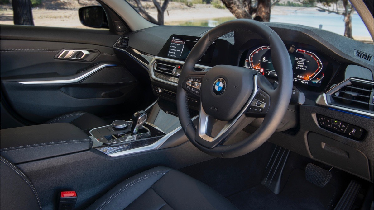 2019 BMW 330i M Sport black interior