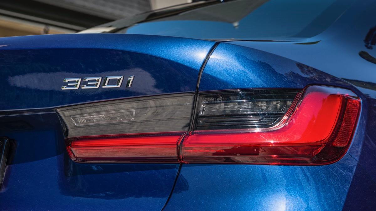 2019 BMW 330i M Sport blue taillight