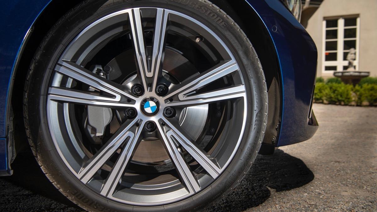 2019 BMW 330i M Sport wheel