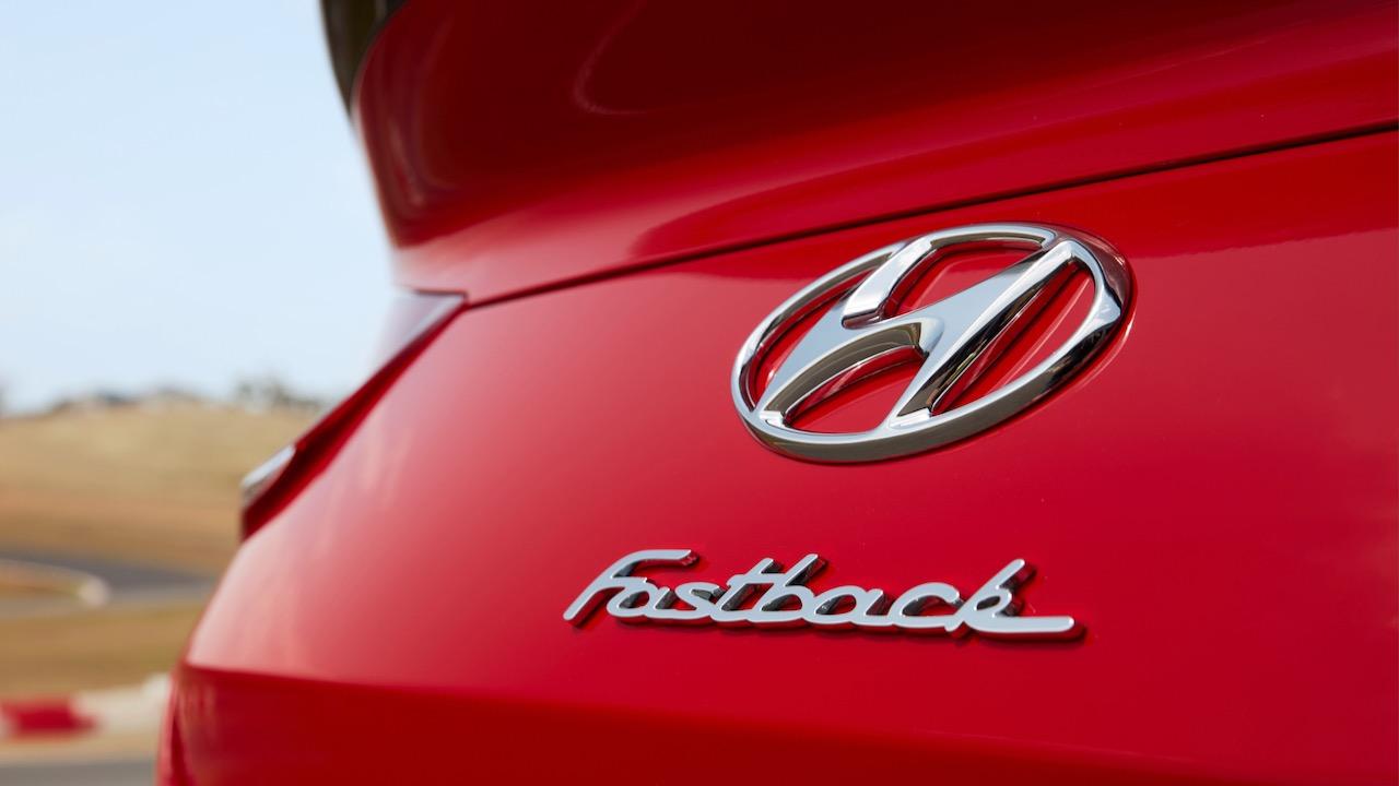 Hyundai i30 Fastback N 2019 Engine Red badge