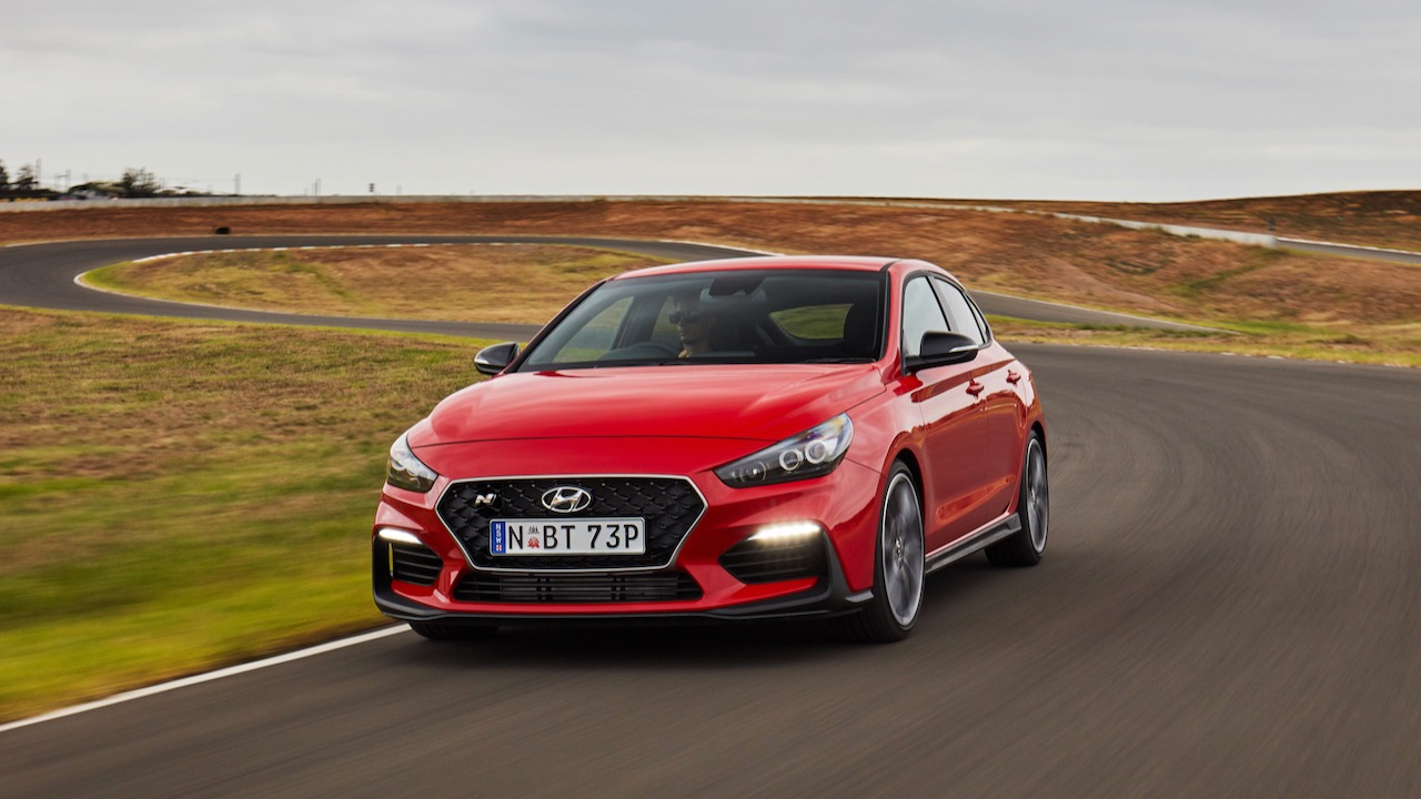 Hyundai i30 Fastback N 2019 Engine Red front