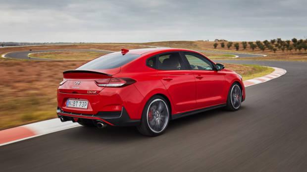 Hyundai i30 Fastback N 2019 Engine Red rear