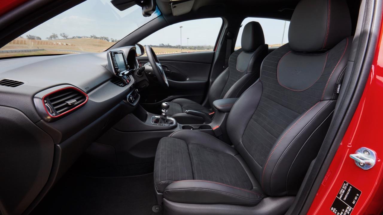 Hyundai i30 Fastback N 2019 black seats