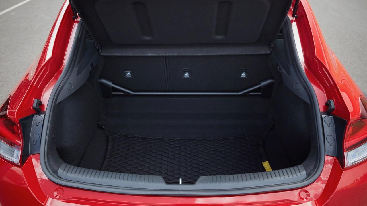 Hyundai i30 Fastback N 2019 boot space