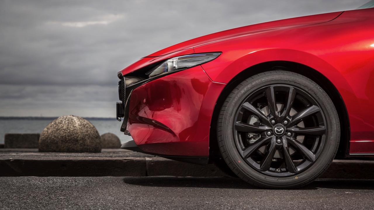 2019 Mazda 3 G25 Astina black wheels
