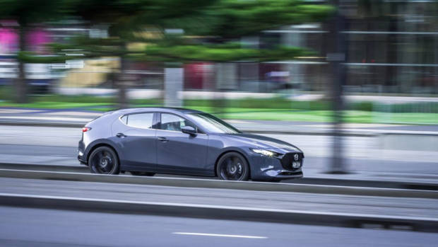 2019 Mazda 3 hatch Polymetal Grey side