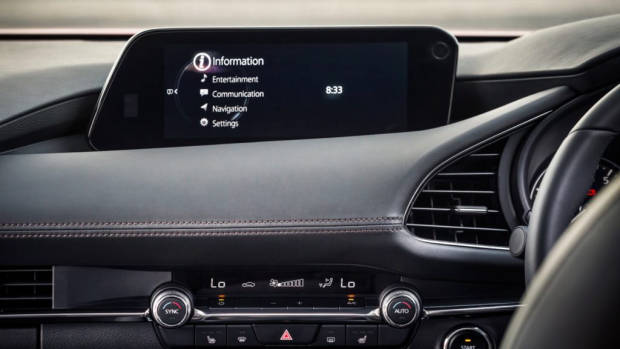 2019 Mazda 3 hatch screen