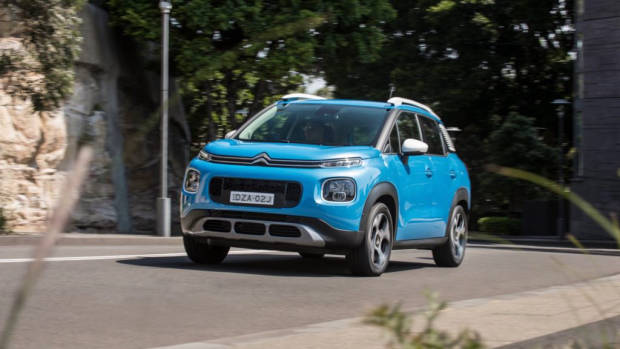 Citroen C3 Aircross 2019 blue driving