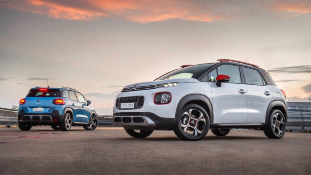 Citroen C3 Aircross 2019 white and blue