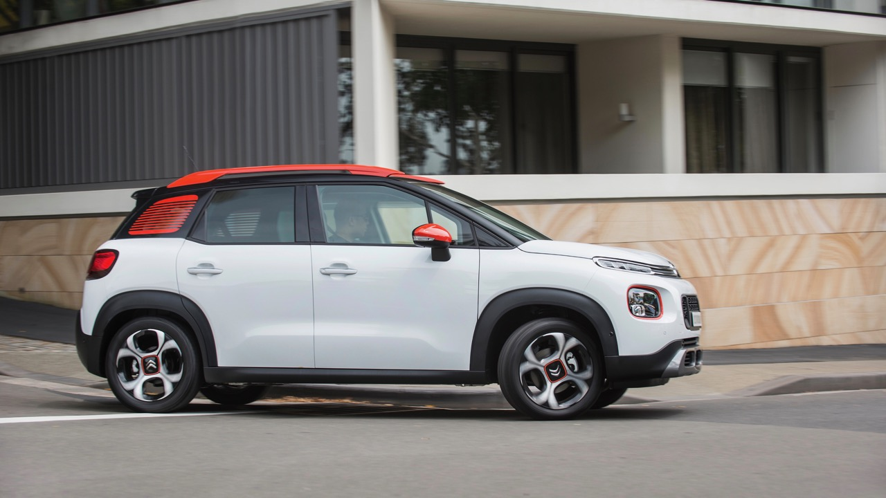 Citroen C3 Aircross 2019 white driving