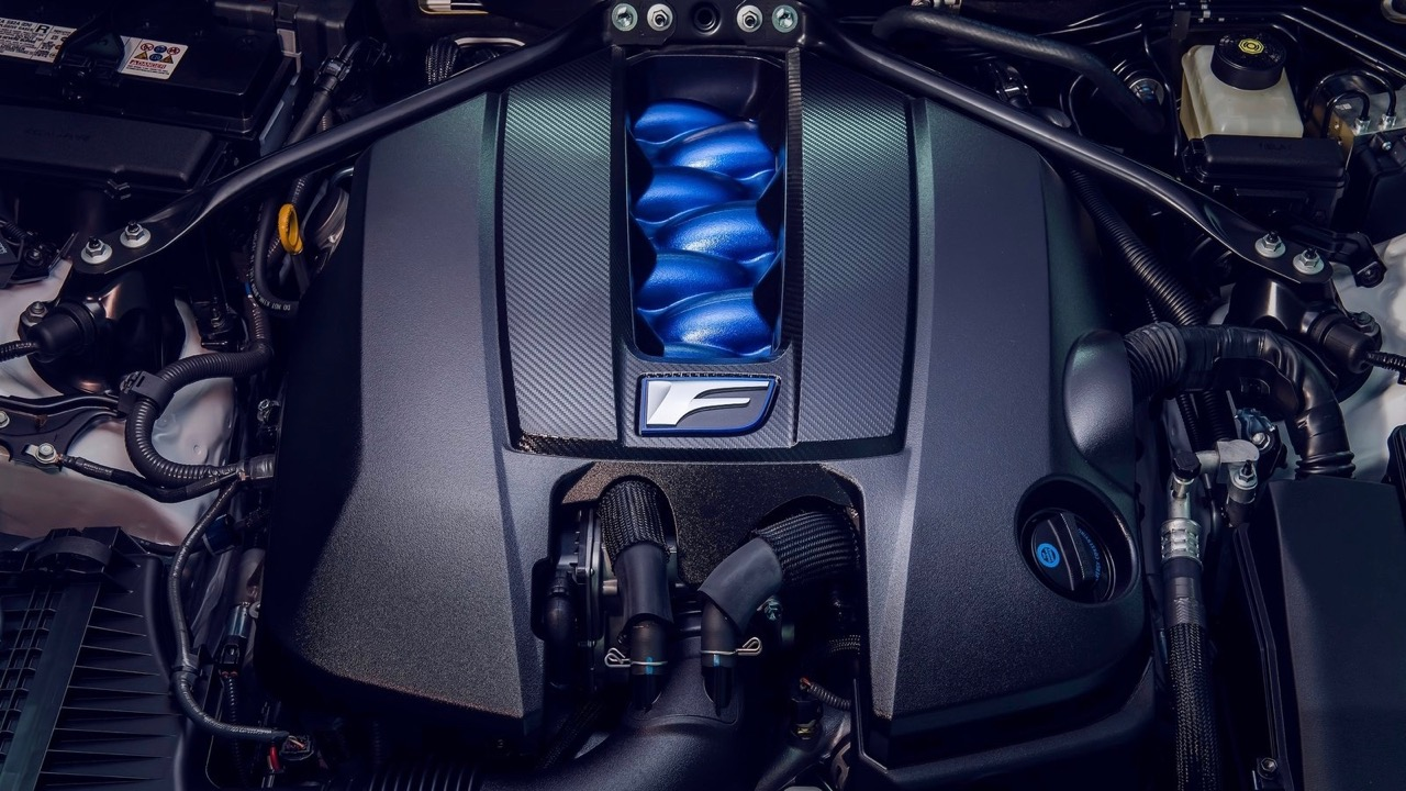 Lexus RC F Track Edition 2020 V8 engine