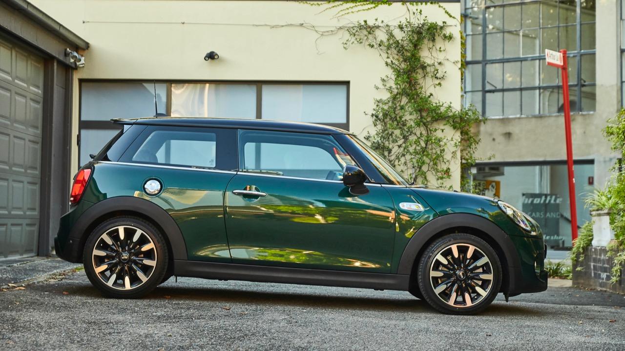 Mini Cooper S 2019 British Racing Green side