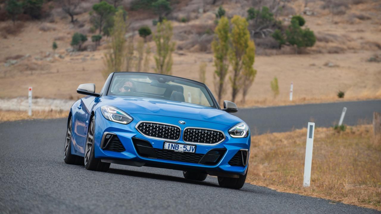 2019 BMW Z4 M40i Misano Blue front