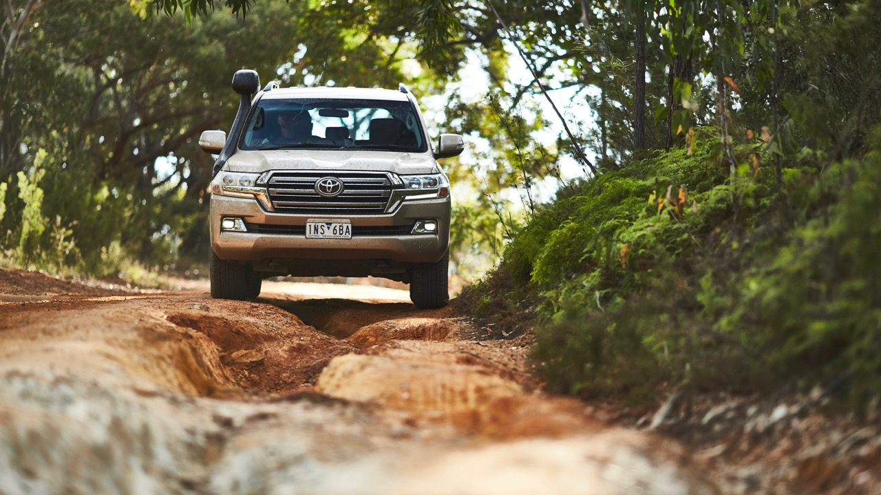 Toyota Land Cruiser 200 Series offroad review