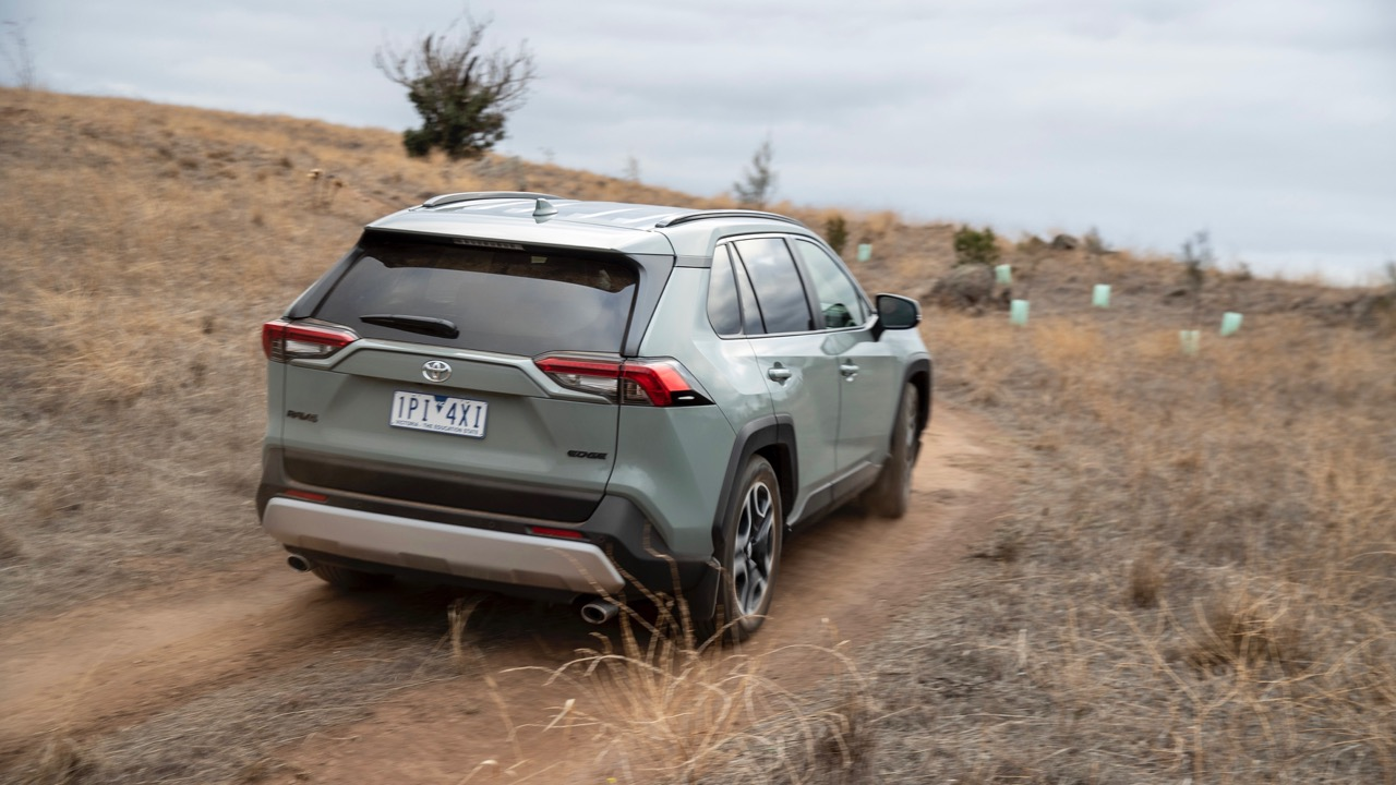 Toyota RAV4 Edge 2019 jungle khaki