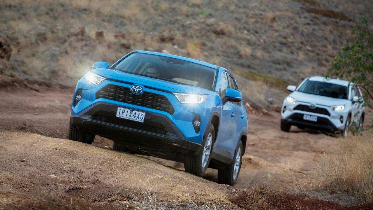 Toyota RAV4 GX 2019 blue