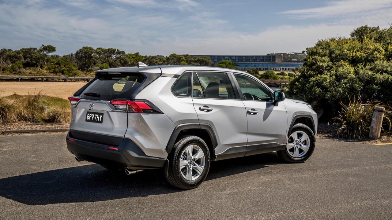 Toyota RAV4 GX 2019 silver