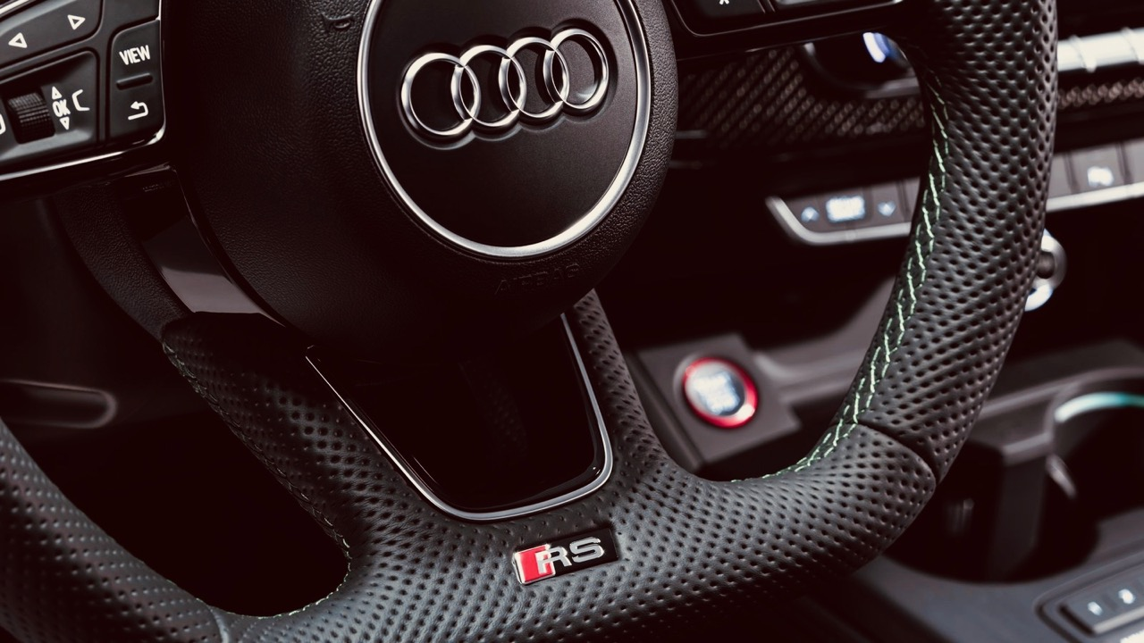 Audi RS5 Sportback 2019 steering wheel
