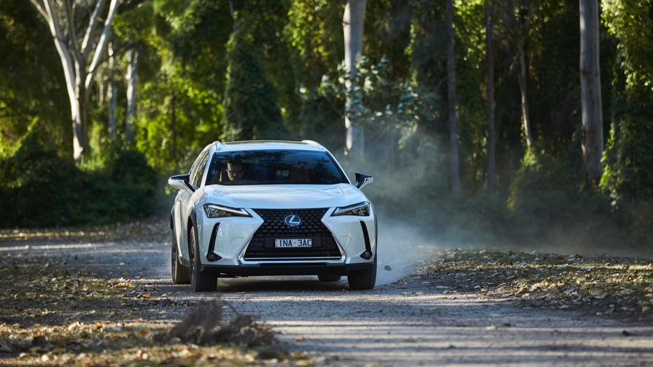 Lexus UX200 white front