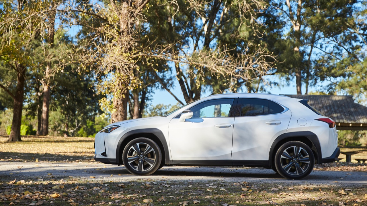 Lexus UX200 white profile
