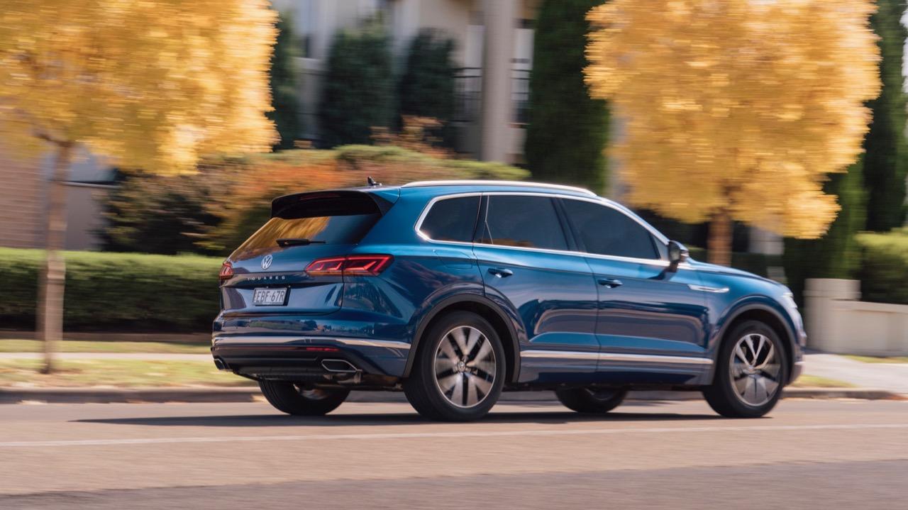 Volkswagen Touareg 2019 Reef Blue side