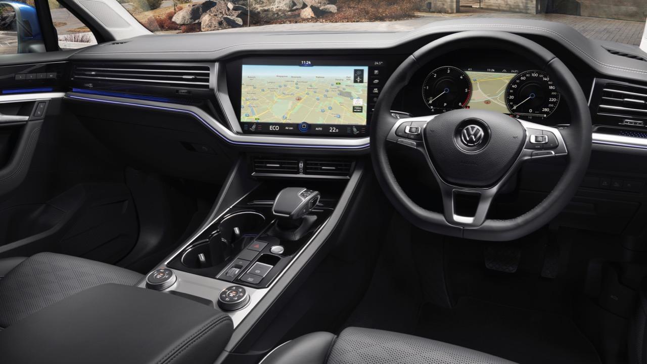 Volkswagen Touareg 2019 black interior