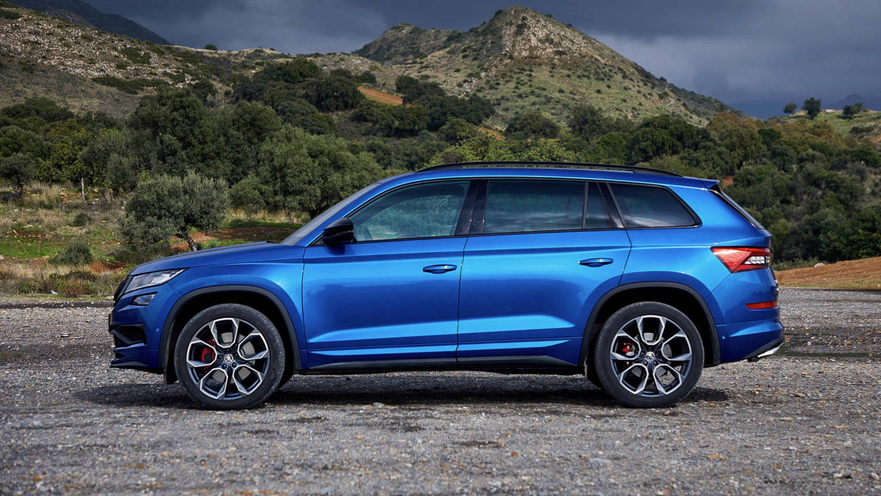 2019 ŠKODA KODIAQ RS side blue