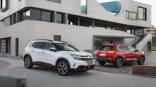 Citroen C5 Aircross review red white front